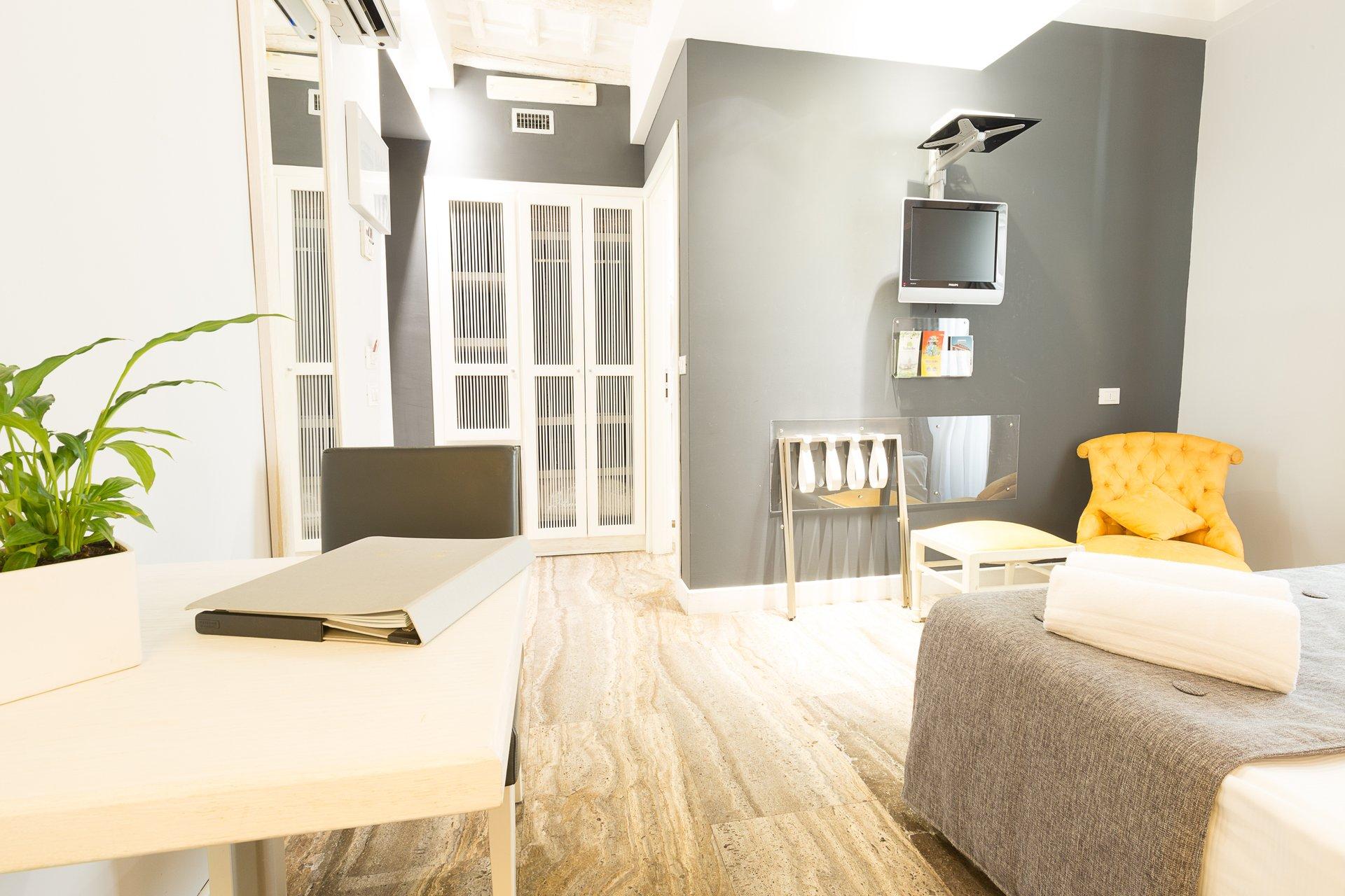 Doppia standard quintocanto hotel palermo for Design hotel quintocanto